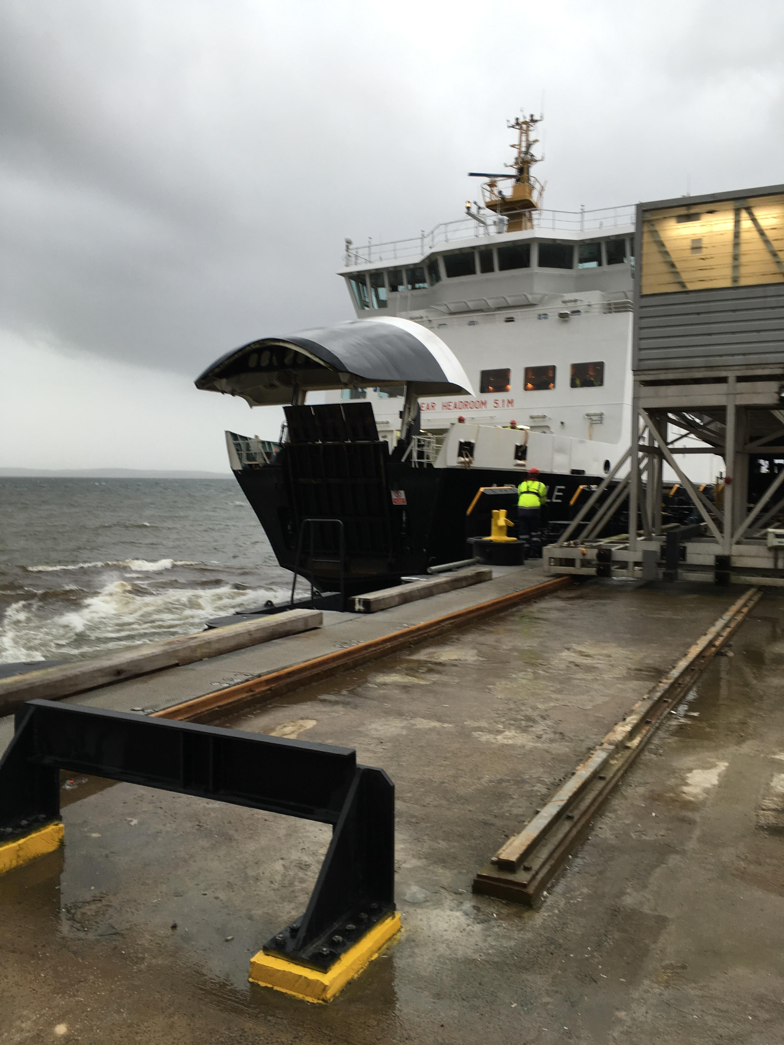 MV Argyle arrives at Wemyss Bay during Storm Barbara